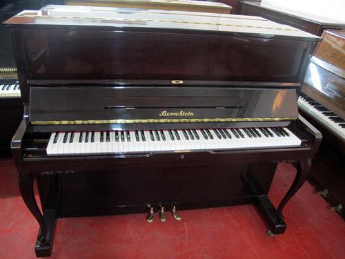 פסנתר עומד יד שניה יפני בחירת הצוות Bernstein 120