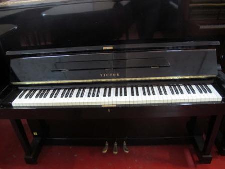 פסנתר עומד יד שניה יפני Victor