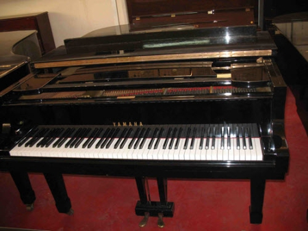 פסנתר כנף יד שניה Yamaha G3