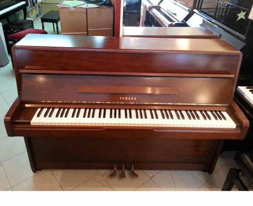 פסנתר עומד יד שניה ימאהה יפני Yamaha