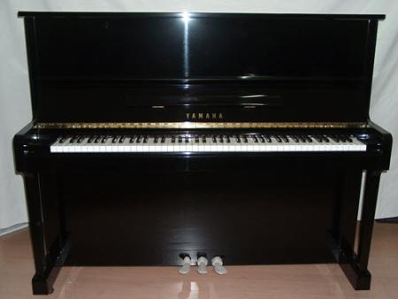 פסנתר עומד יד שניה Yamaha U1 #8