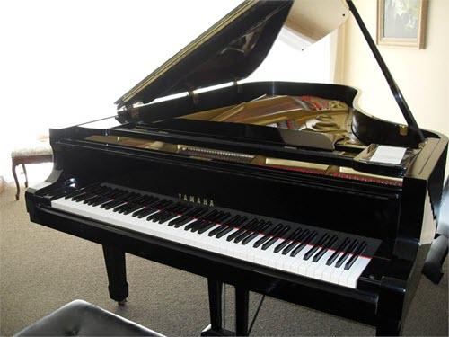 פסנתר כנף יד שניה Yamaha C7