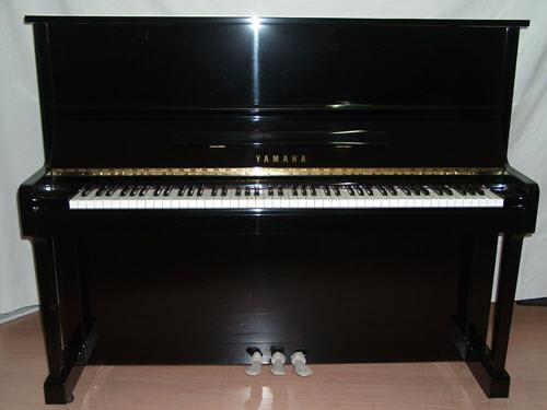 פסנתר עומד יד שניה Yamaha U1 #5