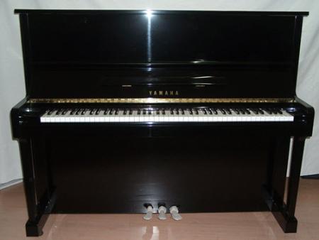 פסנתר עומד יד שניה Yamaha U1 #9