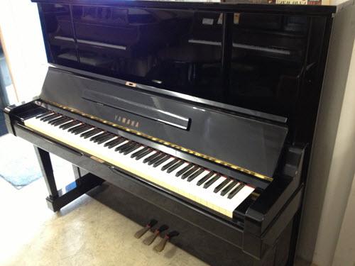 סופר פסנתר עומד יד שניה Yamaha U1 - עולם הפסנתרים PK-53